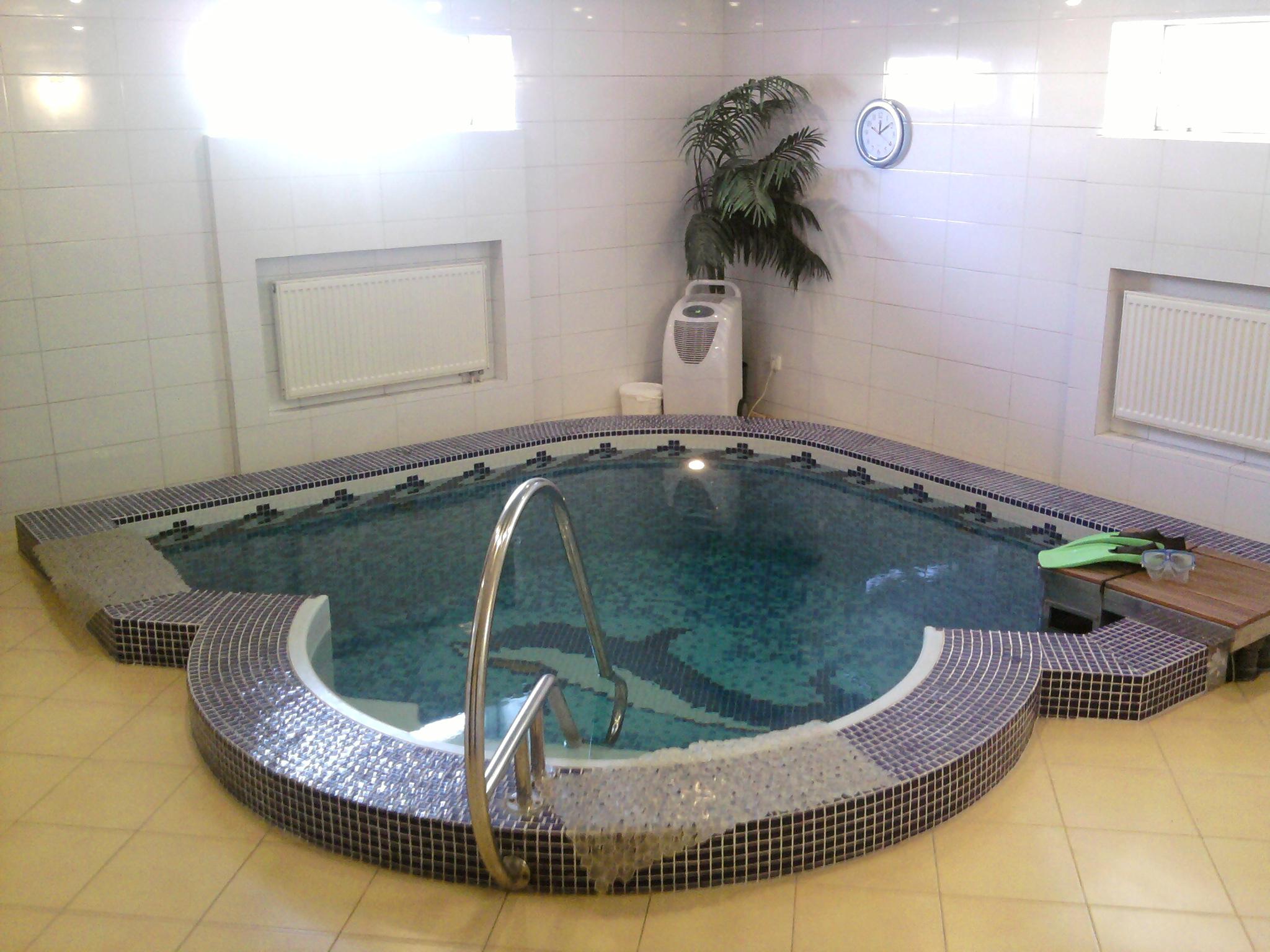 Строительство бассейна в подвале дома